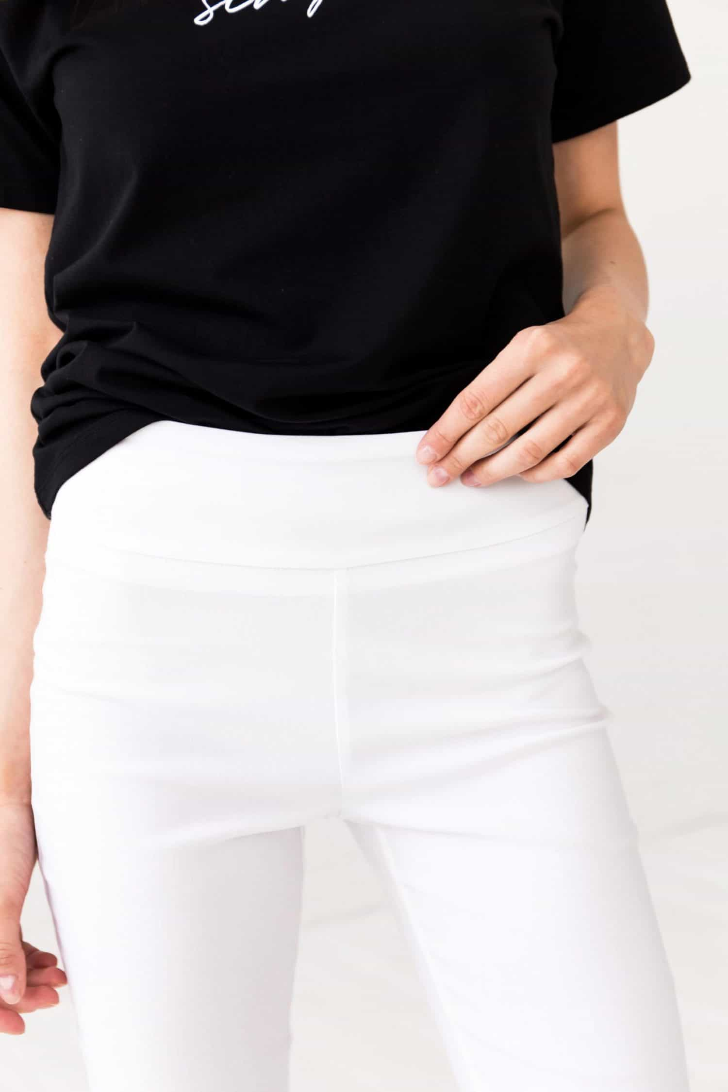 White Trousers Kris